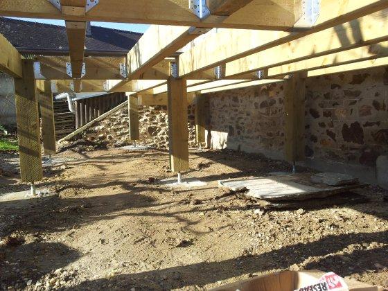 R alisez une terrasse sur pilotis partie 4 4 reussir for Terrasse bois surelevee