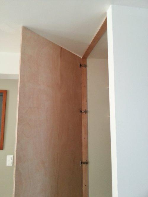 R alisez une porte de placard toute simple reussir ses travaux - Porte placard invisible ...