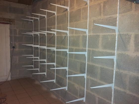 R alisez un rangement simple dans votre garage reussir ses travaux - Cheville pour parpaing creux brico depot ...